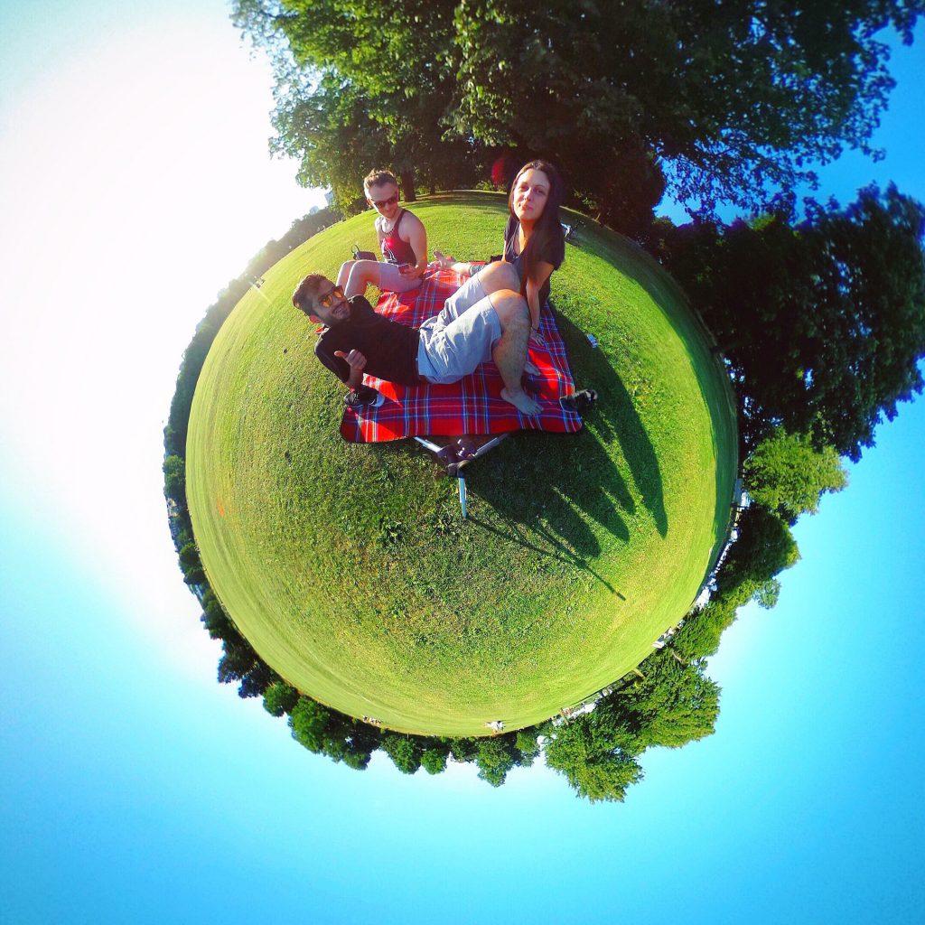 grab-that-picnic-blanket
